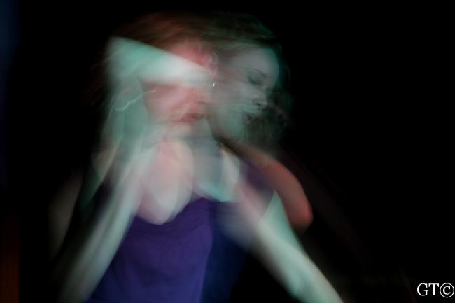 IMAGE: http://www.garphoto.com/dance/V-8.JPG